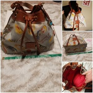 SALE Dooney &bourke bucket shoulder bag